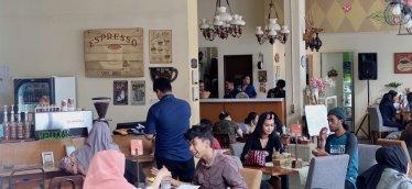 インドネシアのバンドンで世界有数のカフェ文化が発達