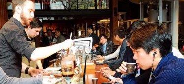 未来のレストランは無人オーダー&スマホ決済